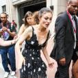 Phoebe Tonkin : honte énorme au Comic Con le 25 juillet 2014