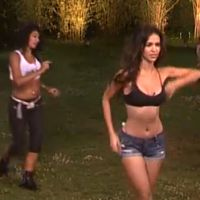 Leila et Jessica (Secret Story 8) ultra hot pour une battle de danse latine