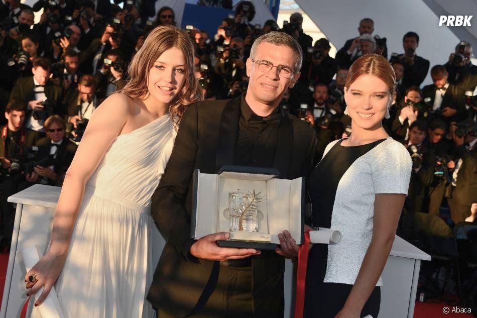 Léa Seydoux et Adèle Exarchopoulos avec la Palme d'Or du Festival de Cannes 2013
