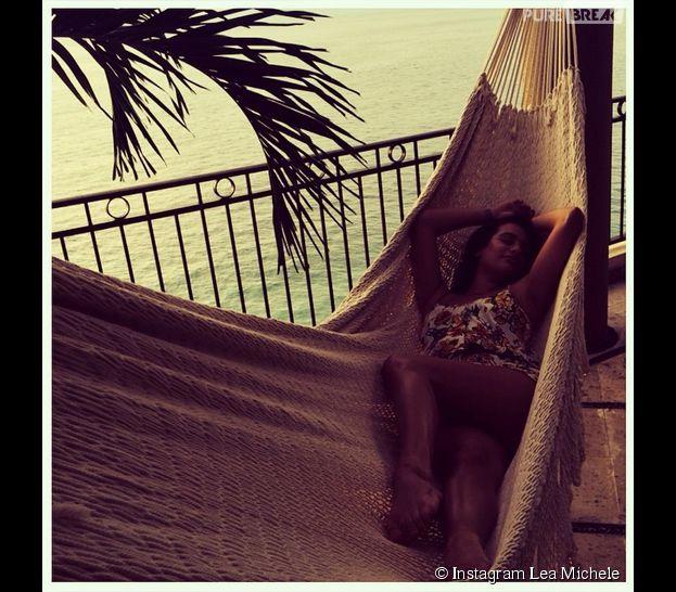 Lea Michele : sieste dans un hamac au Mexique en septembre 2014