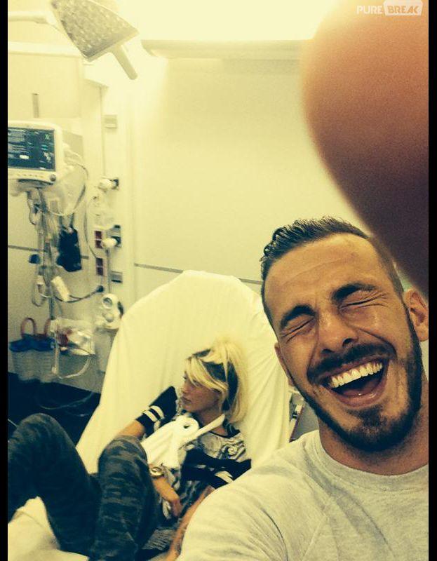 Aurélie Dotremont  bras cassé et hospitalisée, Julien Bert se moque d\u0027elle
