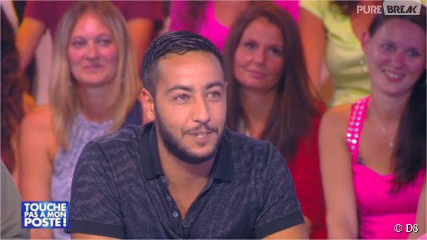"""Lacrim reçoit son disque d'or pour l'album """"Corleone"""" dans Touche pas à mon poste, le 17 septembre 2014"""