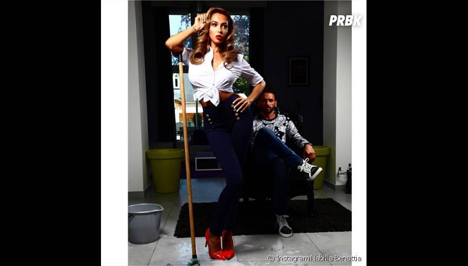 Nabilla Benattia en mode pin-up pour sa collection de vêtements