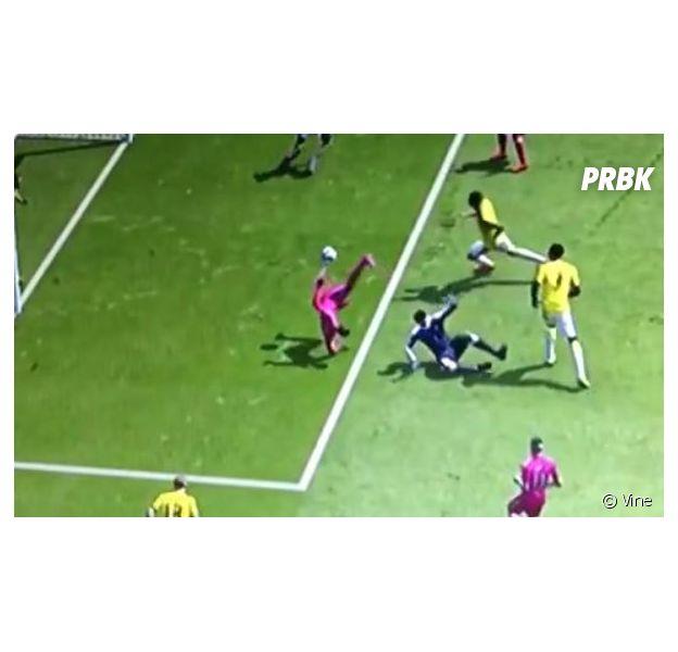Fifa 15 : le but le plus moche et le plus improbable