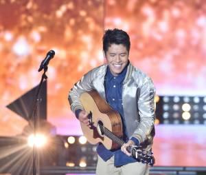 Rising Star : Huu alias le Youtuber Lunazian sur le plateau de l'émission, le 10 octobre 2014