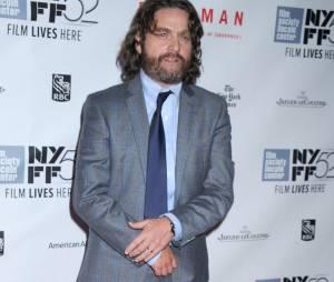 Zach Galifianakis méconnaissable avec ses kilos en moins à l'avant-première de Birdman