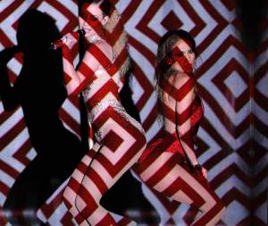 Jennifer Lopez et Iggy Azalea : show sexy sur Booty aux American Music Awards 2014
