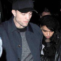 """Robert Pattinson en couple : FKA Twigs déclare sa flamme à """"l'homme qu'elle aime"""""""