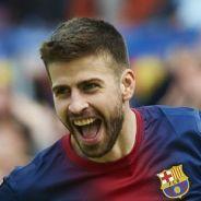 Gerard Piqué en chevalier pendant Barça - PSG : Twitter parodie le footballeur