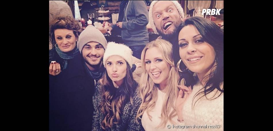 Aurélie Van Daelen, Shanna, Benjamin, Capucine Anav et Frédérique : selfie pendant le tournage des Anges fêtent Noël, le 11 décembre 2014