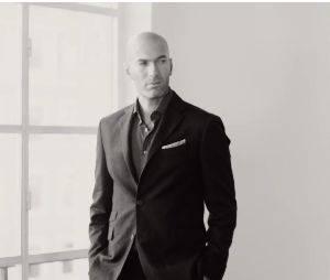 Zinédine Zidane en costard et classe pour Mango