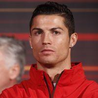 Cristiano Ronaldo : sa statue au gros paquet fait le buzz sur Twitter