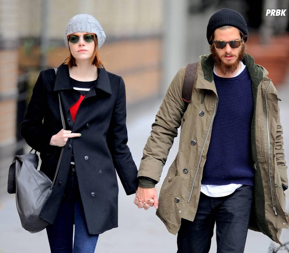 "Emma Stone et Andrew Garfield : ""fuck"" à un paparazzi dans les rues de New York, le 25 novembre 2014"