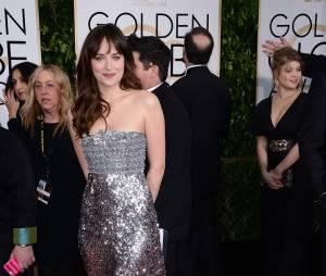 Dakota Johnson sur le tapis rouge des Golden Globes, le 11 janvier 2015 à Los Angeles