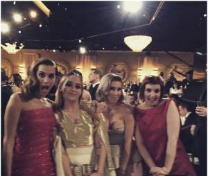 Lena Dunham et le cast de Girls aux Golden Globes 2015
