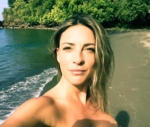 Eve Angeli : selfie topless et au naturel, le 6 février 2015 sur Twitter