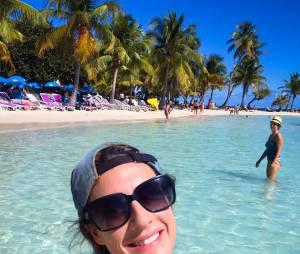 Eve Angeli : selfie pendant ses vacances aux Antilles en 2015