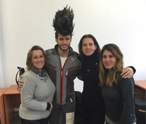 Baptiste Giabiconi : nouvelle coupe de cheveux dingue pour la publicité Taft de Schwarzkopf