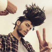 Baptiste Giabiconi : nouvelle coupe de cheveux délirante pour une pub