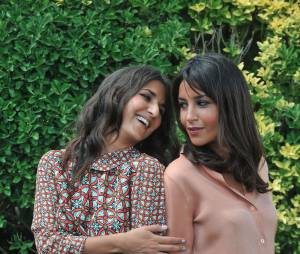 Leila Bekhti et Géraldine Nakache, amis complices au photocall du Festival du film francophone d'Angoulême, août 2012