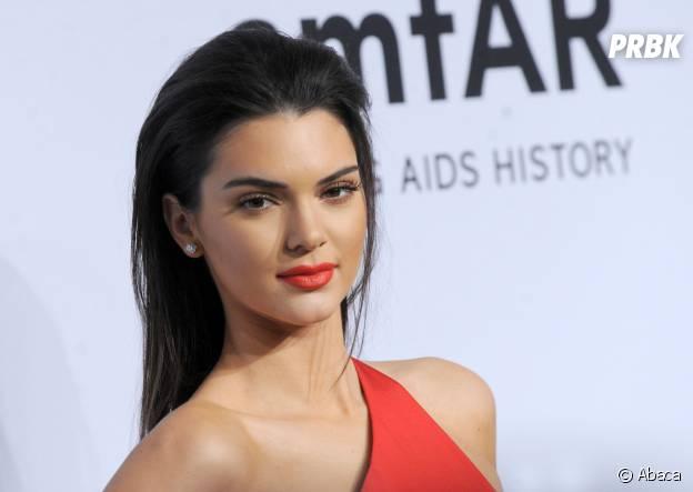 Kendall Jenner sur le tapis rouge du gala de l'amfAR à New-York, le 11 février 2015