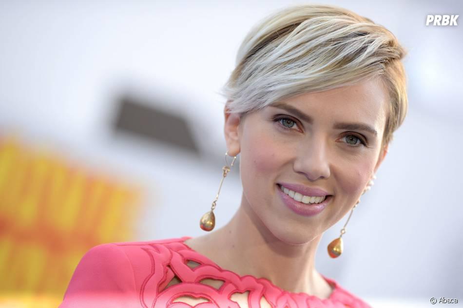 Scarlett Johansson sur le tapis rouge des MTV Movie Awards 2015 à Los Angeles, le 12 avril 2015