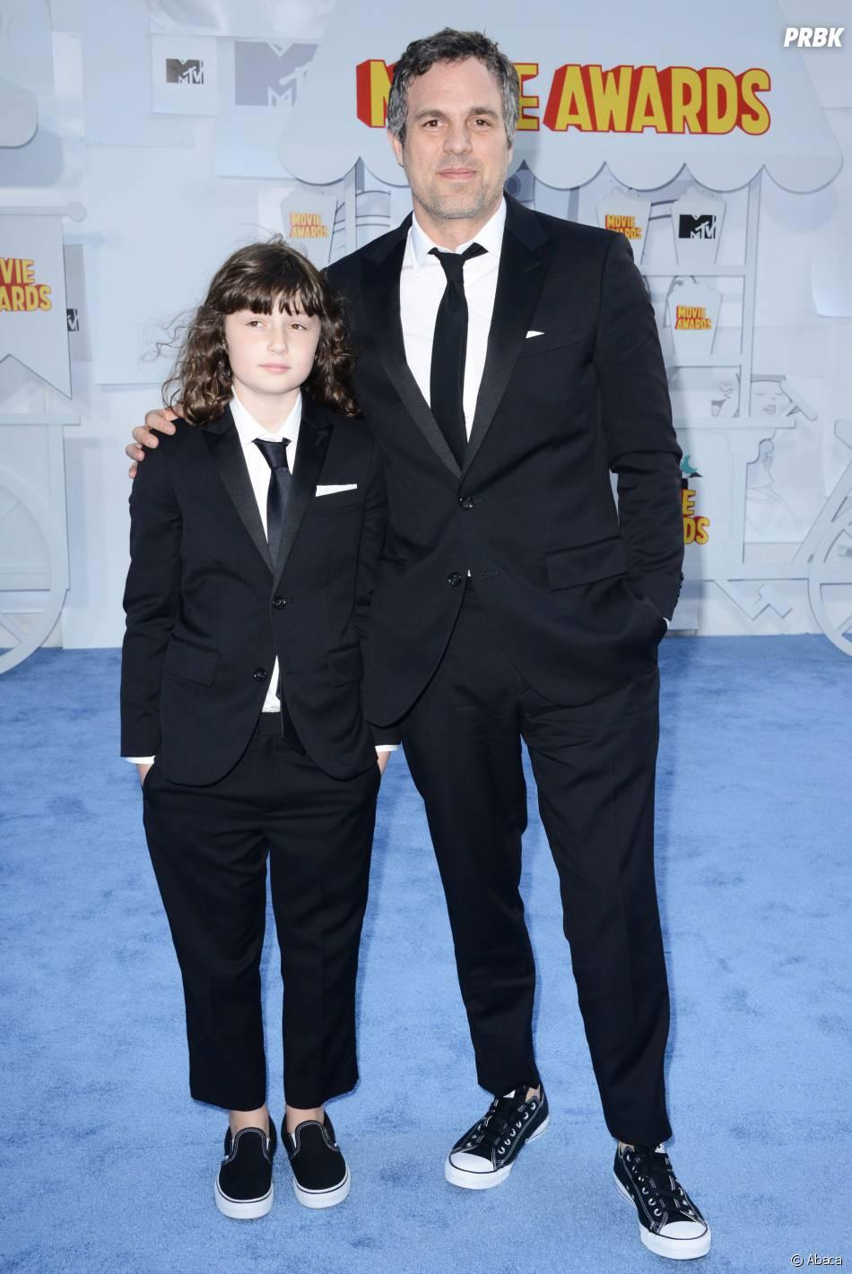 Mark Ruffalo et sa fille sur le tapis rouge des MTV Movie Awards 2015 à Los Angeles, le 12 avril 2015