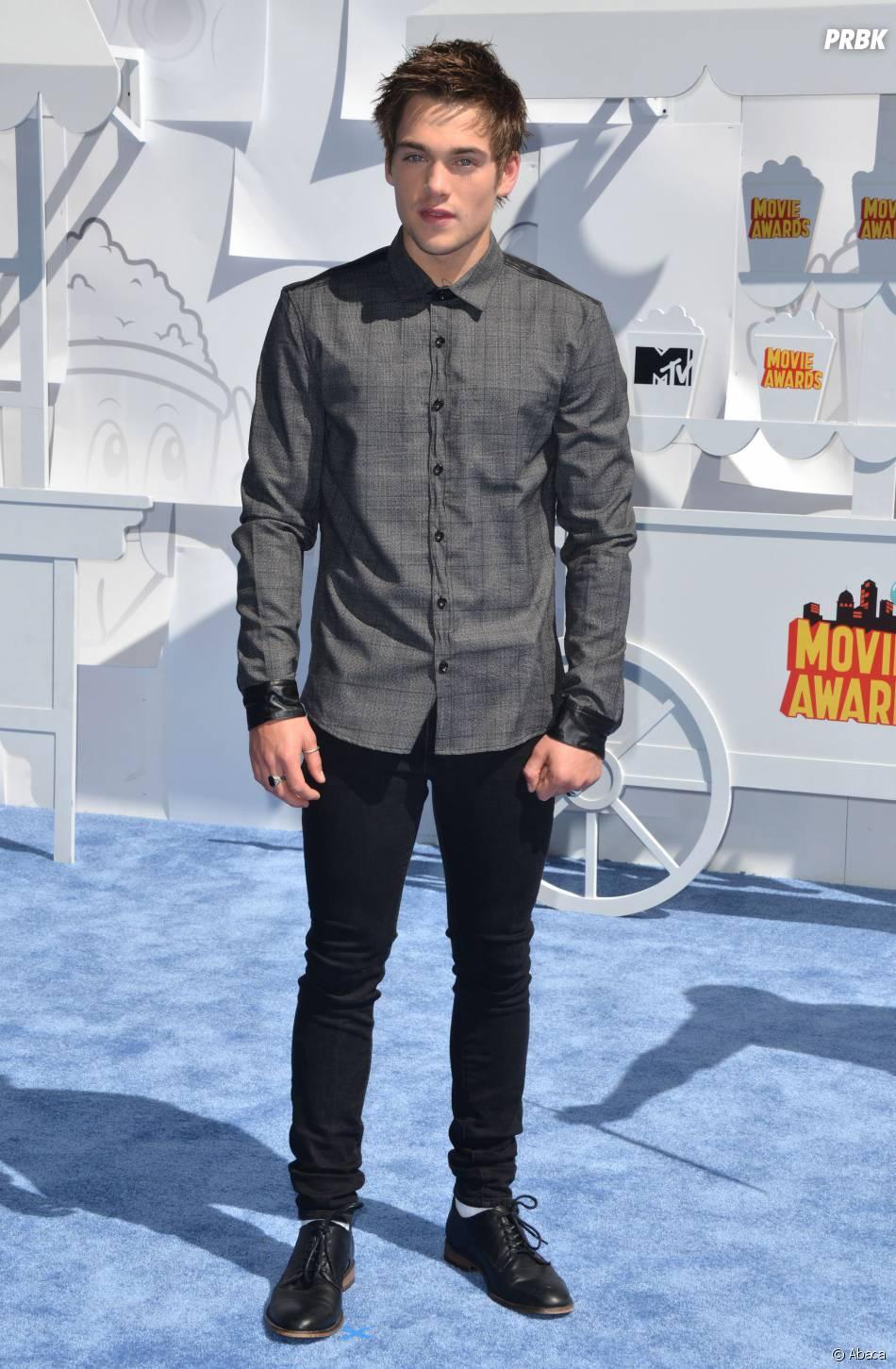 Dylan Sprayberry sur le tapis rouge des MTV Movie Awards 2015 à Los Angeles, le 12 avril 2015