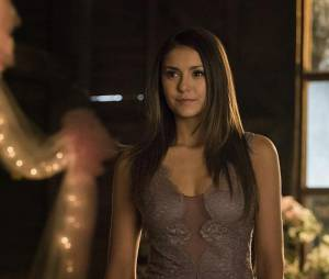 The Vampire Diaries saison 6, épisode 21 : Nina Dobrev sur une photo