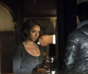 The Vampire Diaries saison 6, épisode 21 : Bonnie (Kat Graham) sur une photo