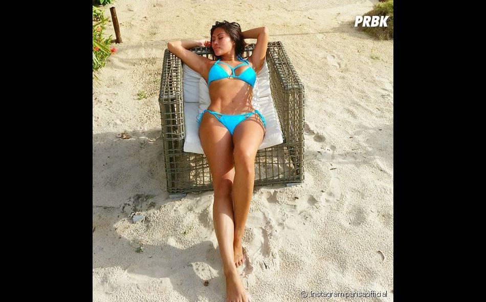 Parisa (Les Marseillais en Thaïlande) sexy en bikini sur Instagram, le 14 avril 2015