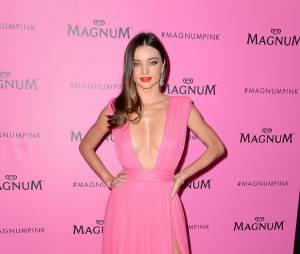 Miranda Kerr sublime et sexy pour la soirée Magnum, le 14 mai 2015 à Cannes