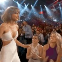 Taylor Swift star des Billboard Music Awards 2015 : bisou à Calvin Harris, clip sexy...