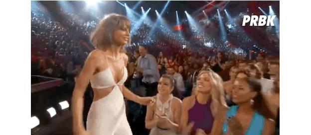 Taylor Swift et Calvin Harris officialisent leur couple aux Billboard Music Awards 2015, le 17 mai 2015 à Las Vegas
