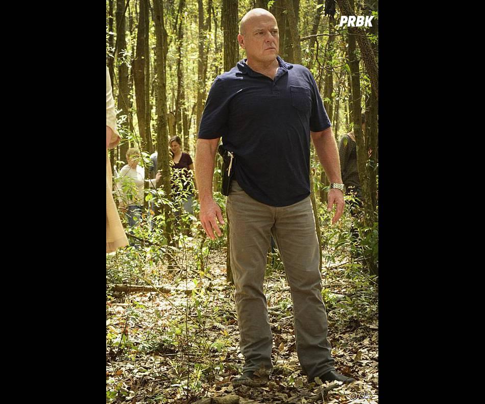 Under the Dome saison 3, épisode 3 : Dean Norris sur une photo