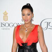 Ayem Nour très décolletée face à Cara Delevingne, Paris Hilton et Karlie Kloss