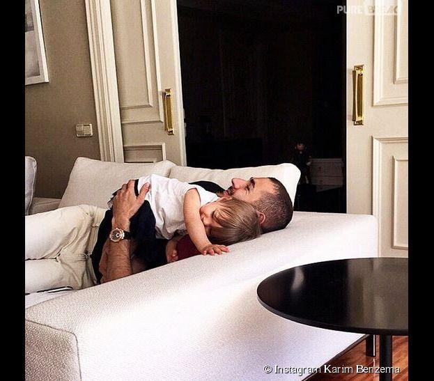 Karim Benzema et sa fille Mélia en photo sur Instagram, le 21 mai 2015