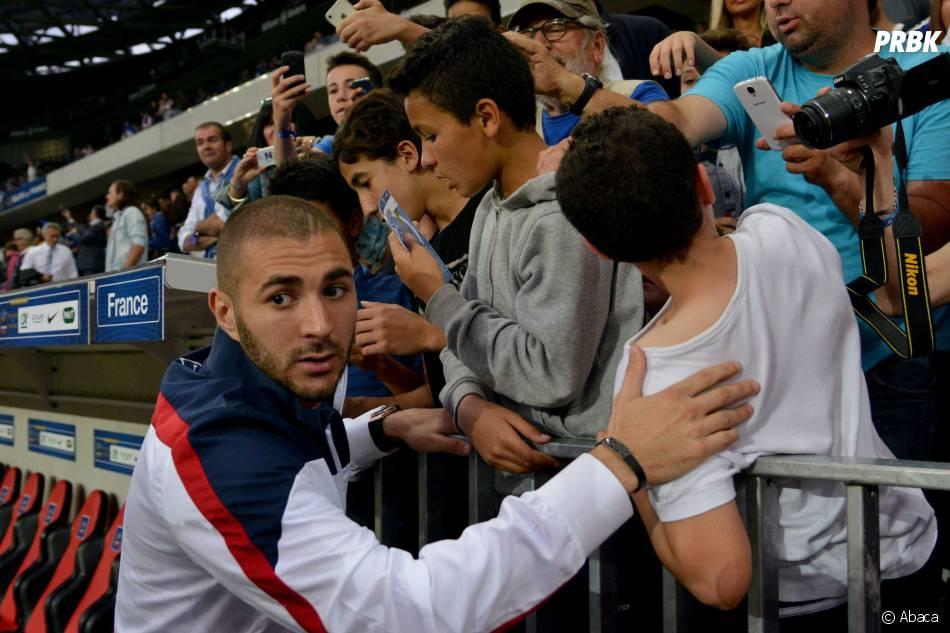 """Karim Benzema """"beaucoup plus calme"""" depuis qu'il est papa"""