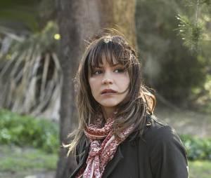 Scorpion saison 1 : Katharine McPhee (Paige) sur une photo