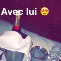 """Amélie Neten en couple : """"amoureuse"""", elle partage son bonheur sur Twitter"""