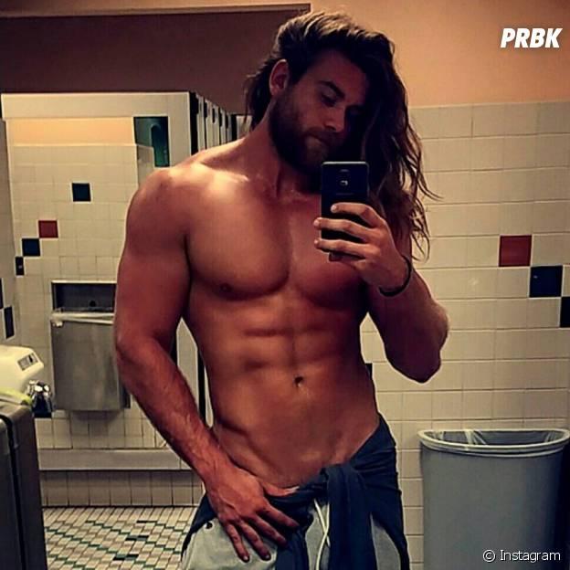 Brock O'Hurn : le beau gosse sexy est la nouvelle star d'Instagram