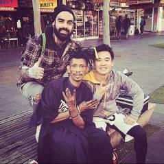 The Streets Barber : le coiffeur australien qui coupe les cheveux des sans-abris gratuitement