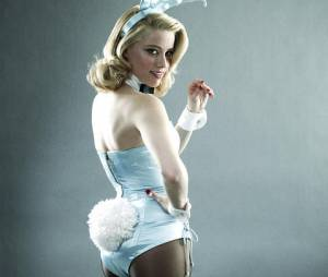 Amber Heard dans la série The Playboy Club