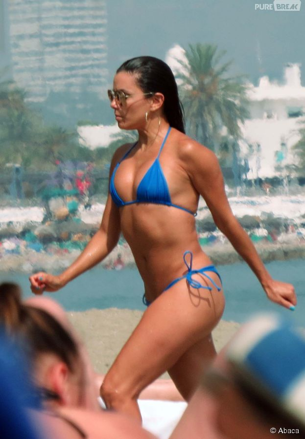 Eva Longoria sexy en bikini sur les plages de Marbella en Espagne le 3 juillet 2015