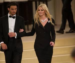 Baptiste Giabiconi et Lara Stone lors du défilé Chanel au Grand Palais, le 7 juillet 2015