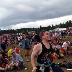 Avec sa danse délirante dans un festival, cet Ecossais est devenu la star de Youtube !