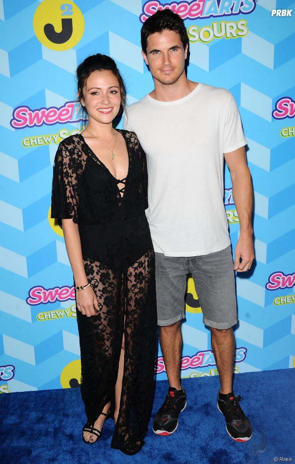 Robbie Amell (Flash) et sa fiancée Italia Ricci
