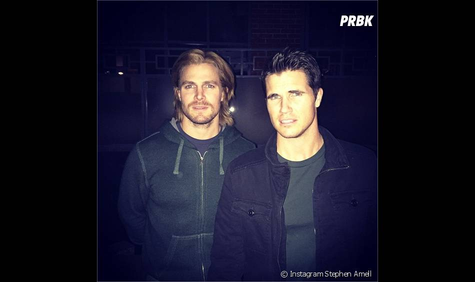 Robbie Amell (Flash) et Stephen Amell sont cousions