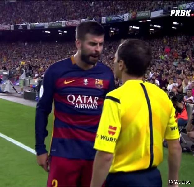 Gerard Piqué risque 12 matchs de suspension après avoir insulté un arbitre lors de la rencontre FC Barcelone - Athletic Bilbao, le 17 août 2015
