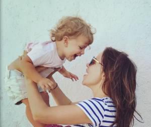 Tammin Sursok (Pretty Little Liars ) et sa fille Phoenix sur Instagram